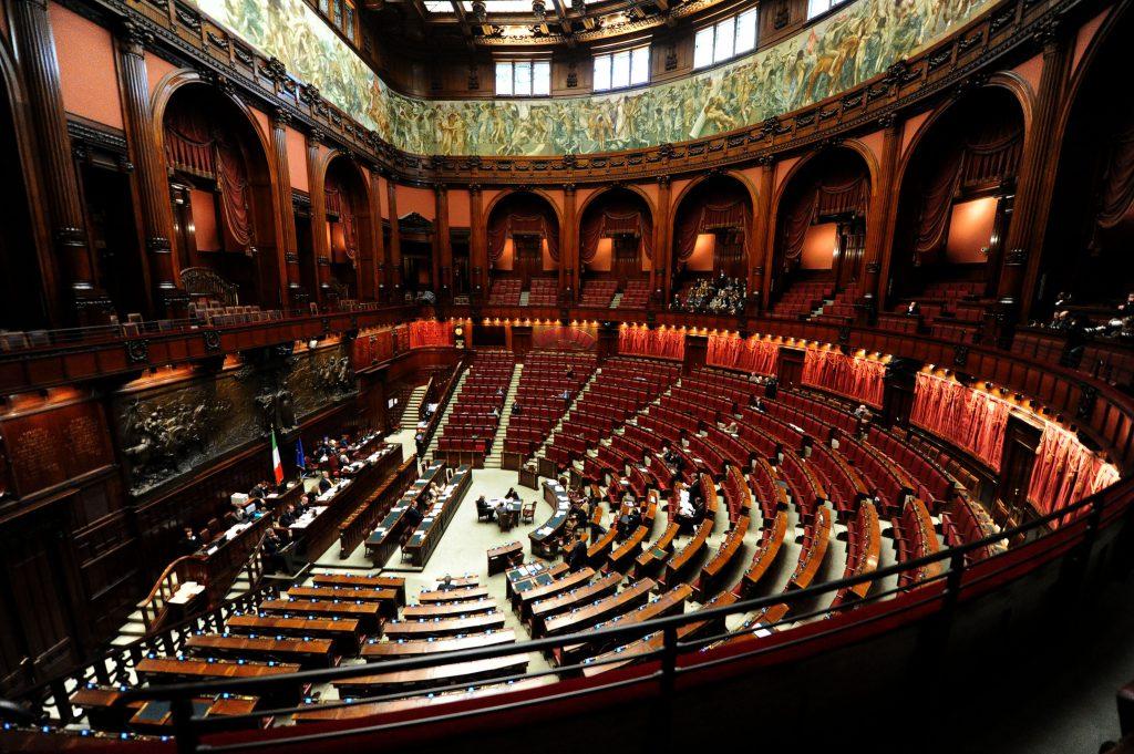 Palazzo montecitorio un secolo di vita per la camera dei for Parlamento montecitorio
