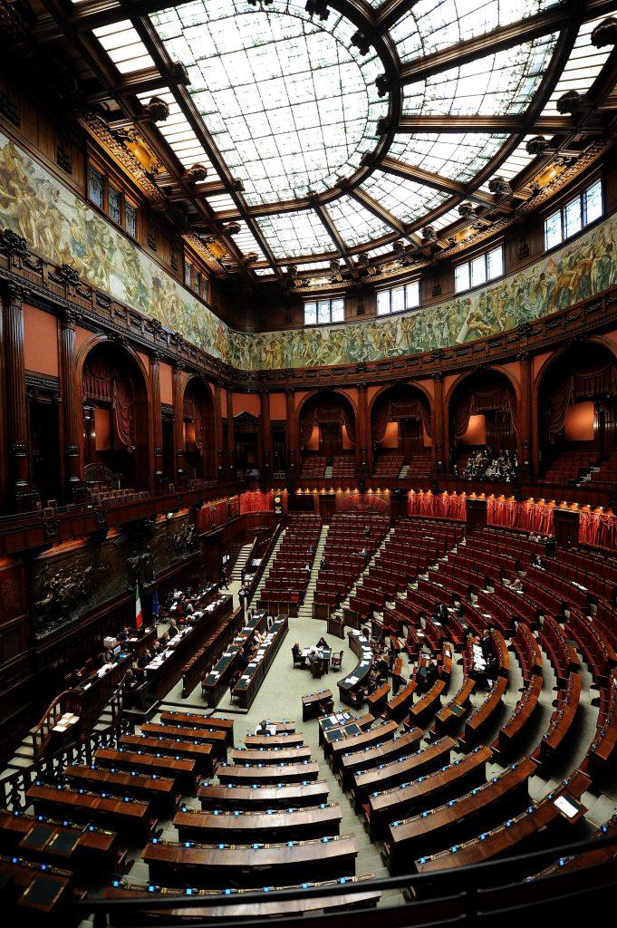 Palazzo montecitorio un secolo di vita per la camera dei for Camera dei deputati gruppi parlamentari