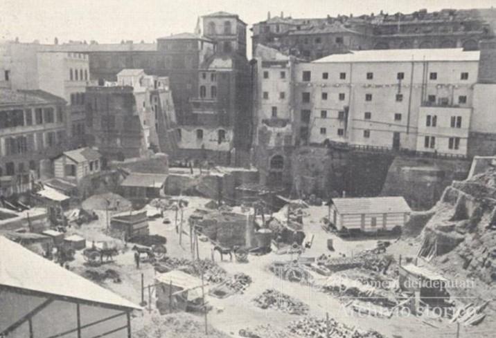 Palazzo montecitorio un secolo di vita per la camera dei for Camera dei deputati roma
